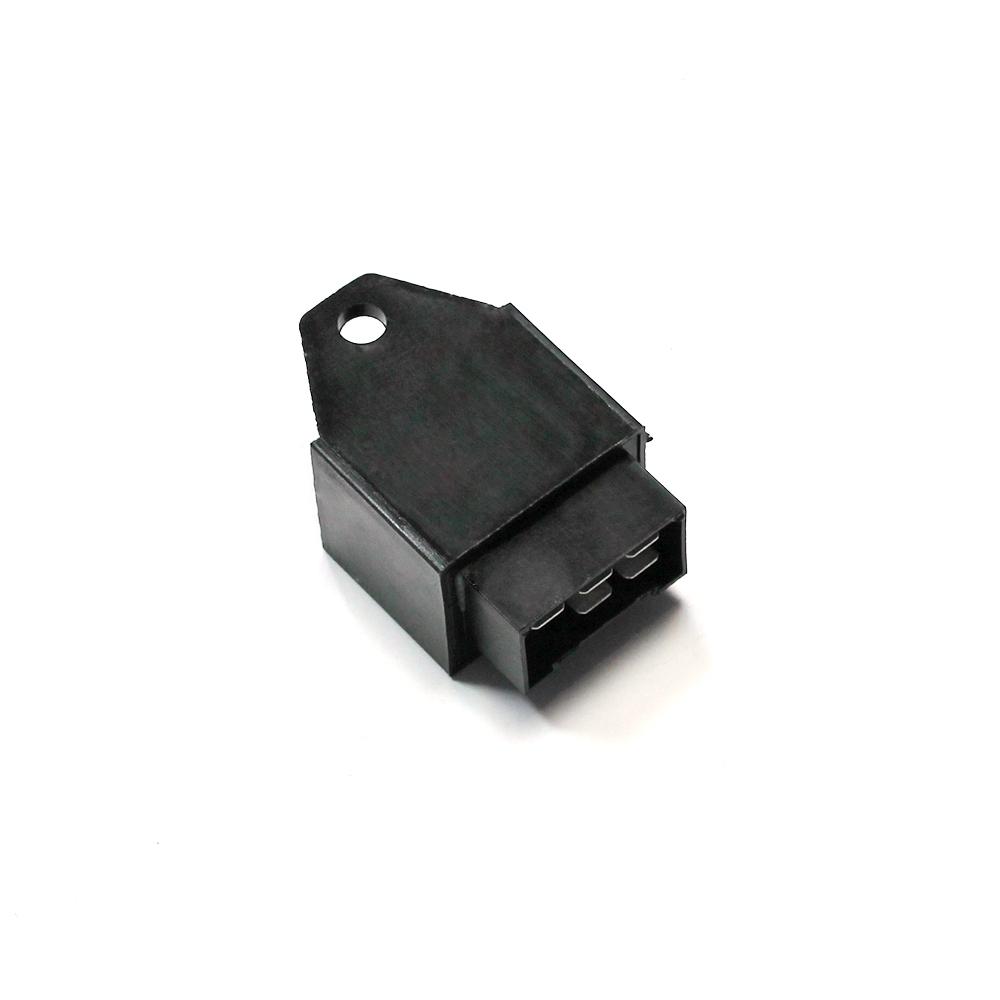 Прерыватель указателей поворота и аварийной сигнализации пятиконтакный Прерыватель указателей поворота и аварийной сигнализации пятиконтакный 32.3777-05
